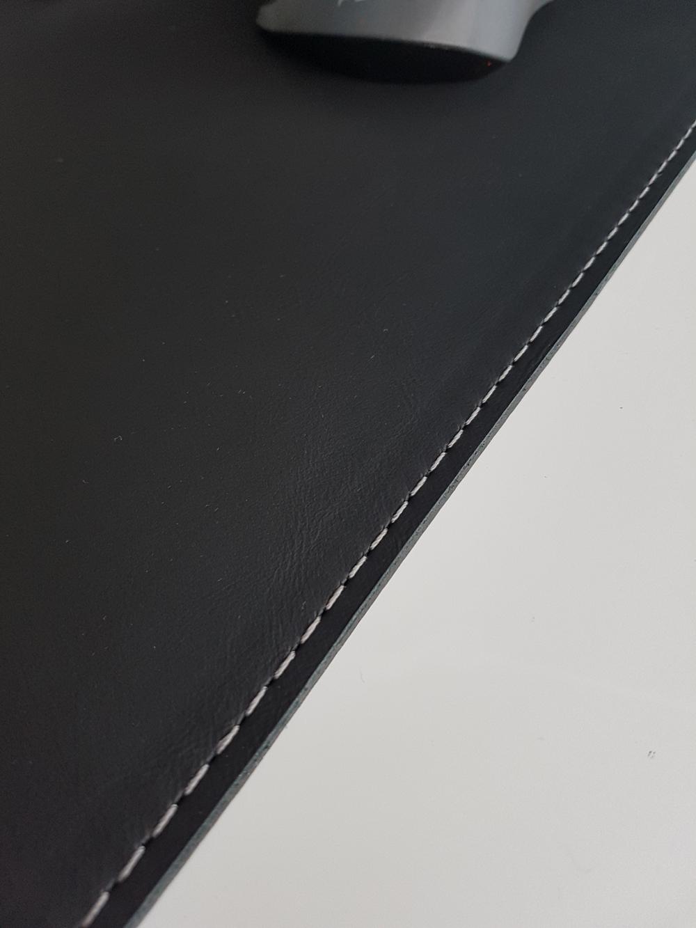 schreibtischunterlage echt leder 90 x 50 schwarz mit. Black Bedroom Furniture Sets. Home Design Ideas
